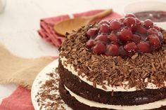 This Easy Black Forest Cake is made with the most delicious layers of rich and fudgy chocolate cake, softly whipped cream, cherries and plenty of chocolate! Cake Cookies, Cupcake Cakes, Cupcakes, Black Forest Cake, Love Cake, How To Make Cake, Chocolate Cake, Bakery, Cheesecake