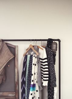 i want a free standing clothing rack.