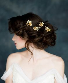 Oh my L O R D am I in love with these beautiful bridal adornments by Blair Nadeau! Celestial Wanderer is a collection of stunning headpieces, cuffs, back necklaces, vines, garters and modern tiaras, and well... it is as pretty as can be.  An eclectic range of bridal headpieces and accessories for 2017, from modern rose-gold headpieces to dreamy statement veils and even a few incredibly romantic, yet deliciously alternative black creations.  So how would you feel if I told you that you could…