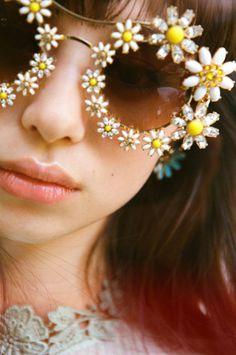 cf23cb99706556 flower sunglasses Mode Année 70, Fantaisie, Fringues, Lunettes Originales,  Chic Ete,