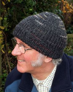 Woolly Wormhead - Dylan's Beanie - free Hat knitting pattern for men