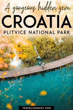 Are you planning a trip to Europe off the beaten path? Visit Plitvice Lakes National Park (Croatia)! It's not only one of the best spots where you can go hiking in Croatia, but also a hidden gem that offers amazing natural scenarios and hundreds of lakes! What are you waiting for? Adventure awaits! | #Plitvice #Croatia