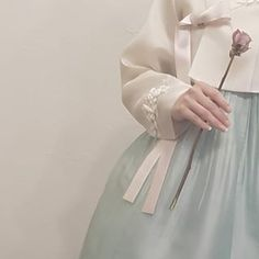 hanboks for new years Korean Traditional Clothes, Traditional Outfits, Hanbok Wedding, Modern Hanbok, Kim Yuna, Korean Wedding, Korean Aesthetic, Something Beautiful, Asian Woman