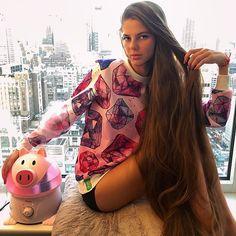 https://flic.kr/p/rfcvQe |  SwagLook in my new comfy @iswagshop sweatshirt #iswagshop #pig #hair #longhair #Rapunzel #volkosh #legs #newyork #manhattan #lovely #winter #humidifier #model #healthy #sweatshirt #fit #happy #skyscraper #sky #midtown #skyline #warm #fashion #outfit