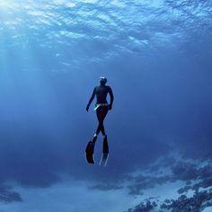 """""""#дайвинг #дайв #погружение #подводой #подводныймир #дайвингидругоймир #вода #интересное #факты #красота #море #океан #дайвер #отдых #позитив #diving #diver #underwater #dive #divingandotherworld #ocean #sea #scubadiving #акваланг #scuba"""" Photo taken by @divingandotherworld on Instagram, pinned via the InstaPin iOS App! http://www.instapinapp.com (09/09/2015)"""
