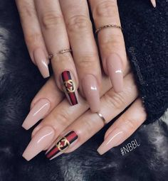 Chic nail art inspiration on nude - Best Nail Art Designs Chic Nail Art, Chic Nails, Dope Nails, Fun Nails, Best Acrylic Nails, Acrylic Nail Designs, Nail Art Designs, Matte Nails, Black Nails