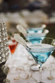 """""""Something Blue"""" wedding cocktails. what if these were sitting on a table with a """"SOMETHING BLUE"""" sign for your cocktail and in lowball glasses to keep with the theme of mason jar Wedding Signature Drinks, Signature Cocktail, Party Drinks, Cocktail Drinks, Blue Cocktails, Raspberry Cocktail, Blue Drinks, Party Favors, Glace Fruit"""