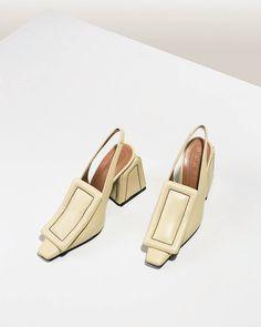 """Gefällt 18 Mal, 2 Kommentare - Plays To My Palette (@playstomypalette) auf Instagram: """"Shoes (@voostore)"""""""