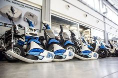 Into the garage 😍 💙🇮🇹 📸 nicola zappettini #polini #madeinitaly #tuning #scooter #garage #box #white #blue #stickers #engine #moto #motorbike #work #friday #today #rest #series #collection #set