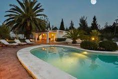 Mignonne petite villa pour 4 personnes avec piscine privée et une confortable terrasse