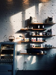 Attractive Small Coffee Shop Design & 50 Best Decor Ideas - Page 22 of 54 Coffee Shop Interior Design, Coffee Shop Design, Cafe Design, House Design, Café Bistro, Small Coffee Shop, Coffee Heart, Cafe Shop, Coffee Cafe