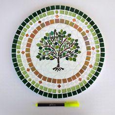Mandala em mosaico Árvore da Vida no Elo7   Coral Mosaicos (115F912) Mandala, Mosaic Art, Decorative Plates, Coral, Marvel, Tree Of Life Images, Mosaic Artwork, Mosaics, Mosaic Glass