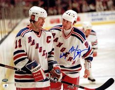 Gretzky and Messier chat during a break in play. Mark Messier, Rangers Hockey, Wayne Gretzky, Nhl Players, Edmonton Oilers, Ny Yankees, National Hockey League, New York Rangers, Ice Hockey