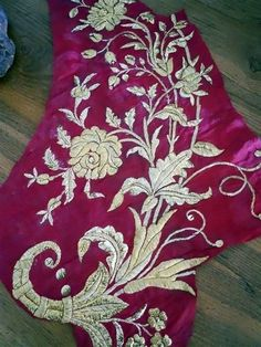 ANTIQUE FRENCH FRAGMENT   GOLD EMBROIDERY 19  TH-CENTURY STUMPWORK FLOWERS