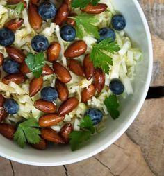 Hvidkålssalat - skøn opskrift på salat med hvidkål