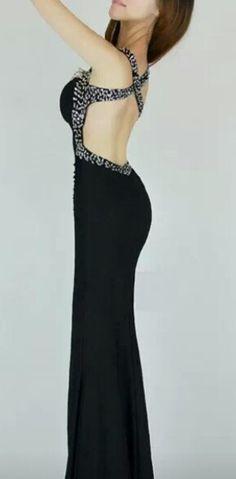 Un vestido largo de noche con una espalda muy linda!