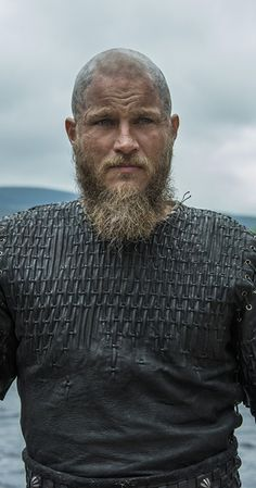 Only five episodes into Vikings' fourth season, History announced that the drama will return for season five! Sure, there's a lot left of season four to enjoy, Ragnar Lothbrok Vikings, Vikings Tv, Viking Men, Viking Life, Vikings Season 5, Viking Wallpaper, Viking Character, King Ragnar, Alexander Ludwig