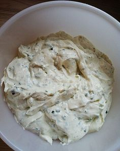Garlic dip to put elensing in chef - Chefkoch.de Recipe: Garlic dip to put in - Dip Recipes, Dinner Recipes, Salad Recipes, Healthy Recipes, Mozarella, Mozzarella Salat, Dips, Pesto Dip, Pesto Pasta