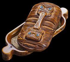 Large Carved Wooden Maori Wakahuia Box – The Bone Art Place Polynesian People, Polynesian Culture, Maori Symbols, Maori Patterns, Traditional Sculptures, Maori Designs, New Zealand Art, Zen, Maori Art