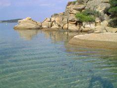 Το άγνωστο εξωτικό ελληνικό νησί που έχει ζεστά νερά όλο το χρόνο και καθόλου κύμα – διαφορετικό