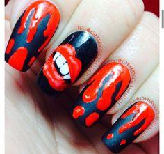 Halloween nails | bloddy | lips | vampire | instagram |