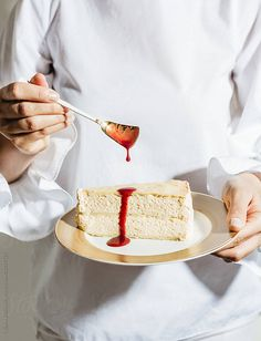 Cremeschnitte with strawberry sauce