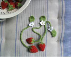 super-sweet strawberry bookmarks
