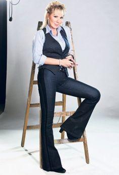 Lepa Brena- my favorite novokompane singer.