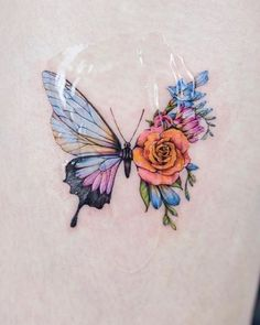 Realistic Butterfly Tattoo, Butterfly With Flowers Tattoo, Butterfly Tattoos For Women, Butterfly Tattoo Designs, Butterfly Tattoo On Shoulder, Mini Tattoos, Flower Tattoos, Leaf Tattoos, Body Art Tattoos