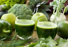 The holistic detox cure - Fitness Doctors! Weight Loss Smoothies, Healthy Smoothies, Fruit Smoothies, Detox Kur, Juice Diet, Diet And Nutrition, Healthy Tips, Healthy Food, Superfood
