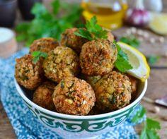 ᐅ Falafel Zutaten Falafel) Ki Ground Beef Meatballs, Lamb Meatballs, Falafels, Kimchi, Popular Appetizers, Ground Lamb, Tahini, Paleo, Dinner