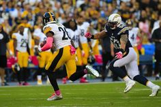 Chargers Manti Te'o pursues Steelers Le'Veon Bell in the 1st half.