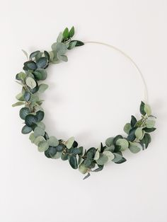Most up-to-date Screen Eucalyptus Wreath hoop Thoughts This DIY eucalyptus wreath is the perfect basic wreath for just about any year or even décor model Faux Succulents, Faux Plants, Molduras Vintage, Modern Wreath, Eucalyptus Wreath, Eucalyptus Wedding, Floral Hoops, Greenery Wreath, Wedding Wreaths