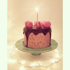 Happy Birthday cake  #Cake #BirthdayCake #Pastry #Love #Macarons #raspberry #Chocolate #colorful #InstaFood #Food #FoodPorn #foodlovers #sweet #style #photooftheday #amazing #chocolatecake #sprinkles #frambuesa #macaron #Bake #Baking #inspiration #foodphotography #yum #cute #beautiful #delish #torta #Pasteleria