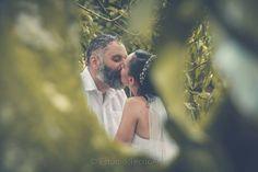 Que a caminhada que se inicia seja repleta de amor, felicidade, carinho e cumplicidade. Parabéns ao novo casal!