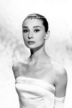 Audrey Hepburn Style   elements of style #60/AUDREY HEPBURN, 1957
