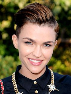 Best 2015 Celebrity Hair Moment - Ruby Rose's short hair at the MTV European Music Awards in Milan | allure.com