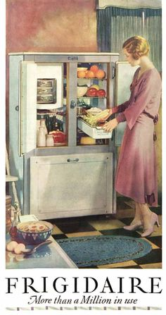 The refrigerator is a relatively recent addition to the modern kitchen. But what was pre-refrigerator life really like? Retro Advertising, Vintage Advertisements, Vintage Ads, Vintage Stuff, Vintage Kitchen Appliances, Retro Kitchens, Retro Fridge, Small Doors, Kitchen Must Haves
