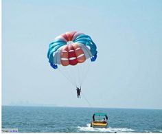 Parasailing at Goa: If speed and fun are things you look for in a sport, you should definitely try parasailing. Goa offers parasailing owing to its beautiful beaches. The parasail is connected to the person and towed behind the speed boats. You can also get the moment recorded or captured by the recreation agency for keepsake. It is an easy to learn sport and offers adventure. However, it must be enjoyed under trained supervision.