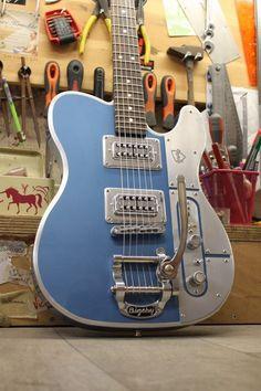 Meloduende Guitars - aluminium guitars - Handmade in France.