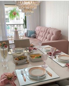 What a cool room with a table set to inspire this wonderful Sunday . Home Design Decor, Home Interior Design, House Design, Home Living Room, Living Room Designs, Living Room Decor, Deco Table, Home And Deco, Home Decor Furniture