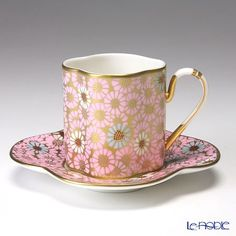 Wedgwood Hare Queen collection cup and saucer (daisy) Pink Coffee Cups, Coffee Cups And Saucers, Teapots And Cups, Cup And Saucer Set, Tea Cup Saucer, Tea Cups, Vintage Cups, Vintage China, Tea Art