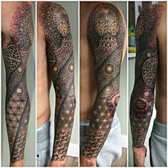 Today, millions of people have tattoos. From different cultures to pop culture enthusiasts, many people have one or several tattoos on their bodies. While a lot of other people have shunned tattoos… Neue Tattoos, Bad Tattoos, Best Sleeve Tattoos, Tattoos For Guys, Cool Tattoos, Diy Tattoo, Tattoo Life, Get A Tattoo, Inspiration Tattoos