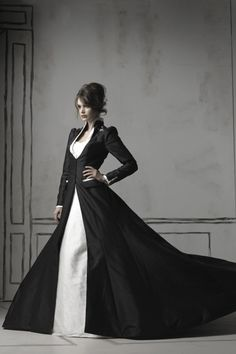 Gorgeous sweeping black long sleeved coat with high collar design. Perfect over a gown or anything really. Dramatic & darkly beautiful <3