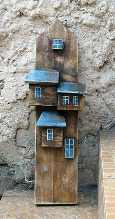 Driftwood Wall Art, Driftwood Crafts, Rustic Crafts, Wooden Crafts, Small Wooden House, Wooden Houses, Pallet Barn, Crafts For Seniors, Wood Ceilings
