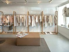 Ståhl Kleidung Design Distro Ideen # Kleidung # Design Baby Furniture - How to Choose the Right Fashion Shop Interior, Clothing Boutique Interior, Clothing Store Design, Boutique Interior Design, Boutique Decor, Showroom Design, Fashion Store Design, Fashion Showroom, Retail Interior Design