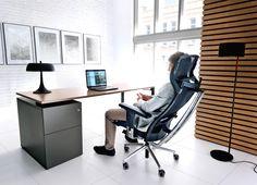 Fotele serii Action to najwyższa półka biurowych krzeseł do wielogodzinnej pracy. Przemyślana konstrukcja i efektowna forma zachwycają wciąż rosnącą liczbę użytkowników.
