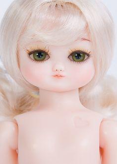 Daisy Default 7 - Bambola World