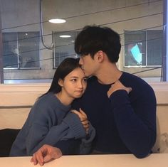 Korean Fashion On The Streets Of Paris Korean Girl Ulzzang, Couple Ulzzang, Couple Goals, Cute Couples Goals, Couple Aesthetic, Korean Aesthetic, Couple Relationship, Cute Relationships, Relationship Pictures