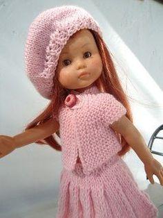 Jupe plissée, tunique,béret pour poupée chéries de corolle Baby Knitting, Crochet Baby, Knit Crochet, Crochet Doll Clothes, Knitted Dolls, Doll Patterns, Clothing Patterns, Ag Dolls, Girl Dolls